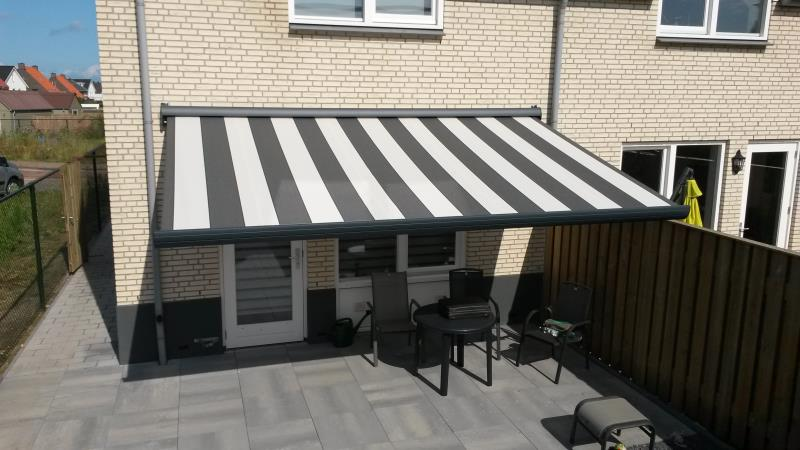 Knikarmscherm - terrasscherm